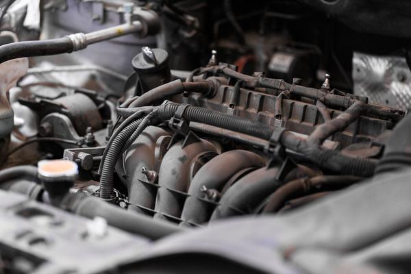 car-engine-close-up-PPMHA4V-1