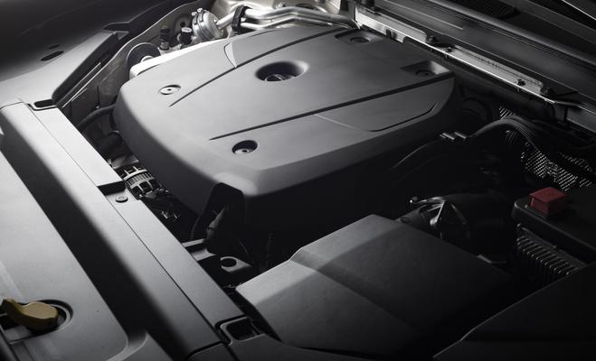 car-engine-close-up-details-P4HQ2UT-1